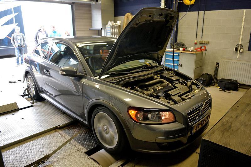 Op de rollenbank - Volvo C30 T5 Polestar