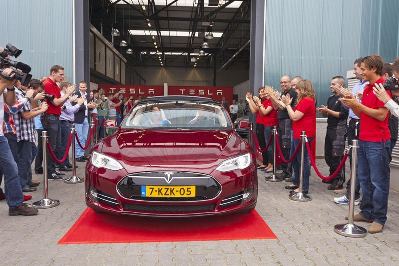 Tesla Opent Assemblagecentrum In Tilburg Autoweek Nl