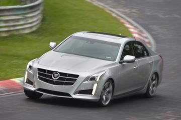 Cadillac knalt CTS Biturbo door de Groene Hel