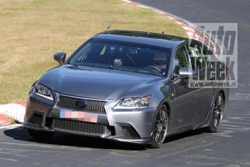 Lexus GS F draait proefrondjes op Nürburgring
