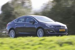 Opel Astra Sedan 1.4 Turbo Cosmo