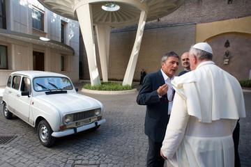 Goed voorbeeld: Renault 4 voor paus