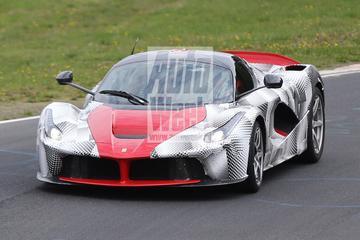 LaFerrari bereidt zich voor op Porsche-jacht