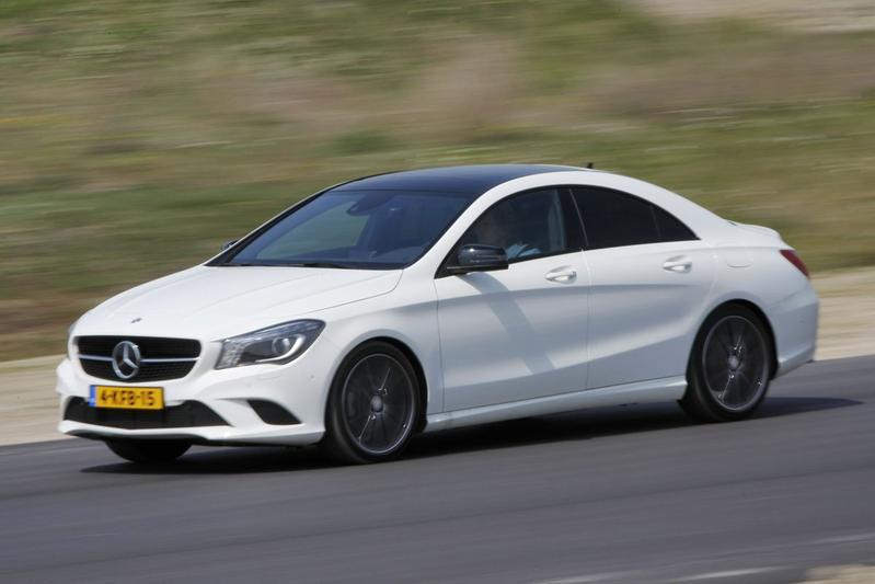 Mercedes-Benz CLA 200 7G DCT (2013)