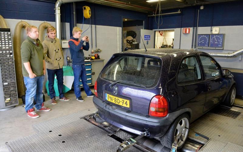 Op de rollenbank - Opel Corsa GSI