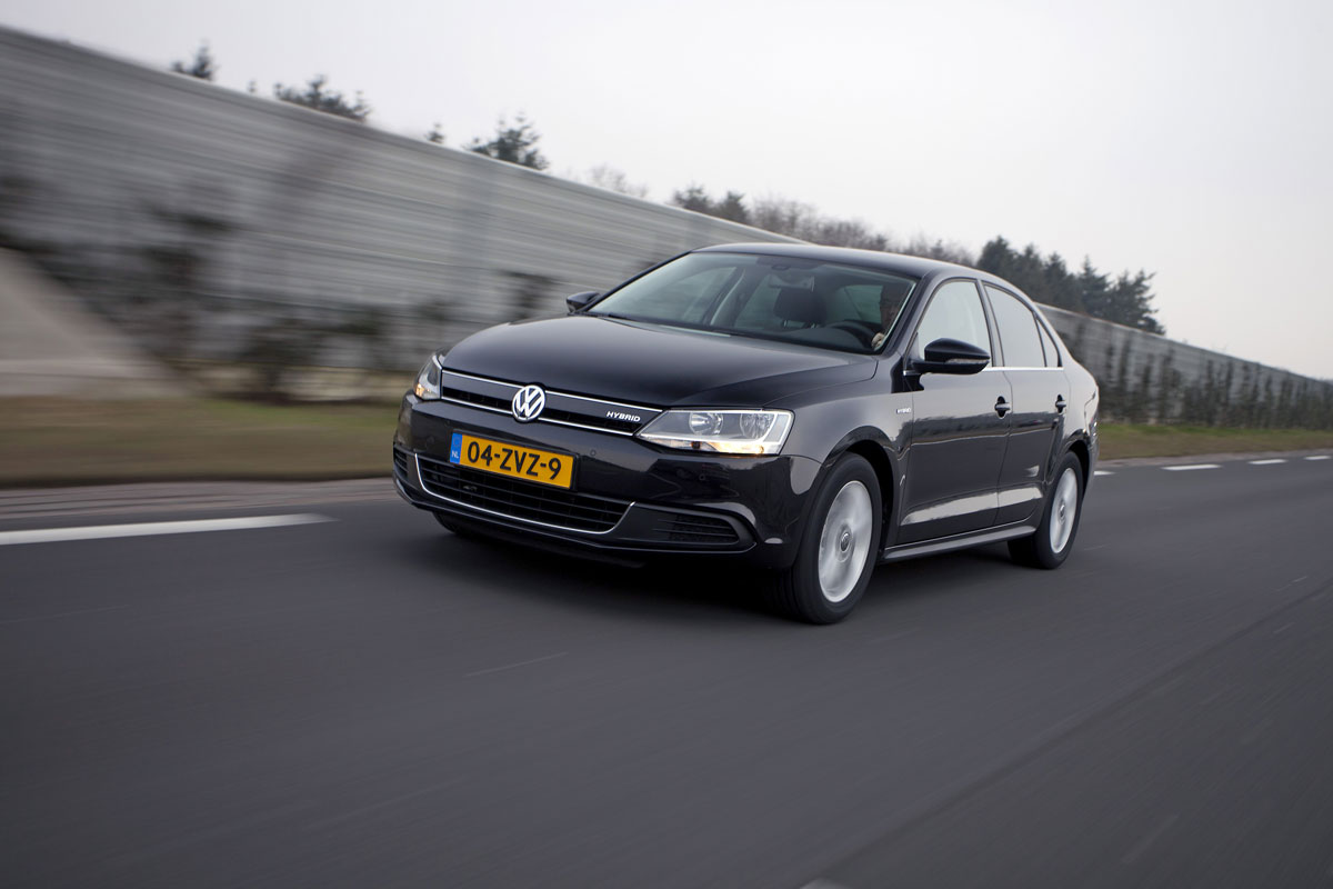 volkswagen jetta hybrid 2013 autotest. Black Bedroom Furniture Sets. Home Design Ideas