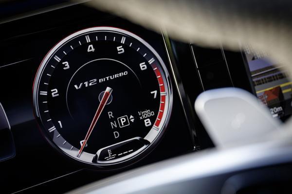 'Ook volgende Mercedes S-klasse met V12'