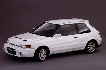 VriMiBolide: Mazda 323 GT-R 4WD