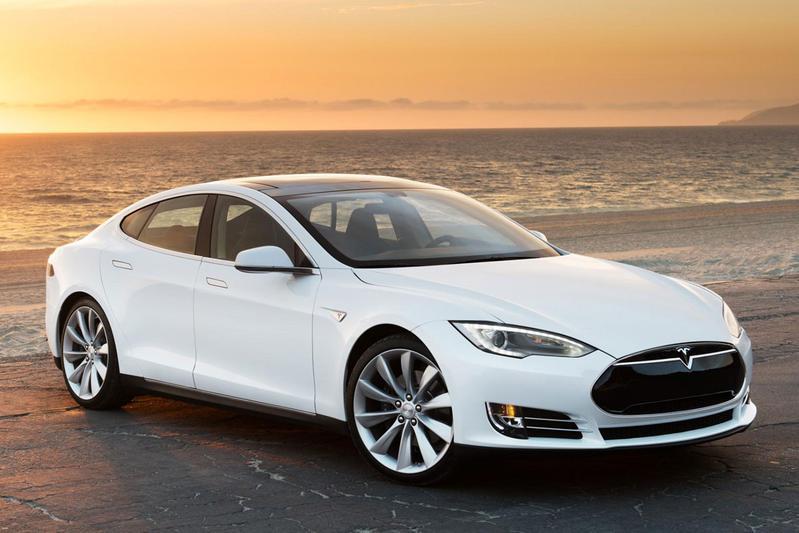 Tesla Model S 90D (2015)