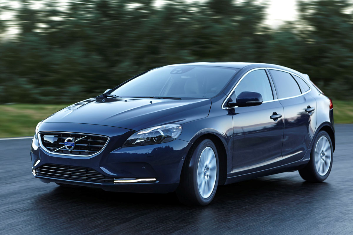 volvo v40 met nieuwe d3 diesel 20 procent autonieuws. Black Bedroom Furniture Sets. Home Design Ideas
