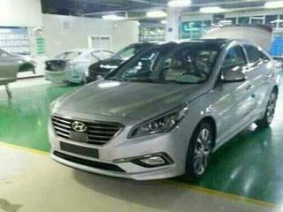 Hyundai Sonata ongecamoufleerd gespot