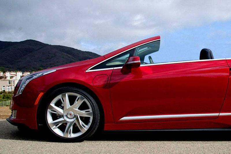 Cadillac ELR omgebouwd naar cabriolet