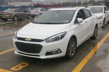 Nieuwe Chevrolet Cruze ongecamoufleerd gespot