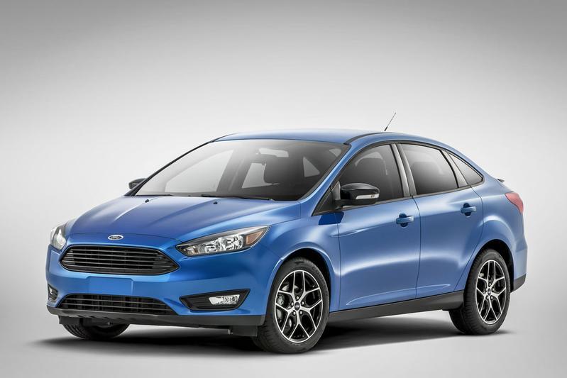 Gefacelifte Ford Focus sedan in vol ornaat