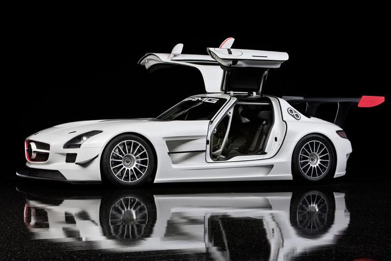 AUTOWEEK LIVE: Mercedes-Benz SLS AMG GT3