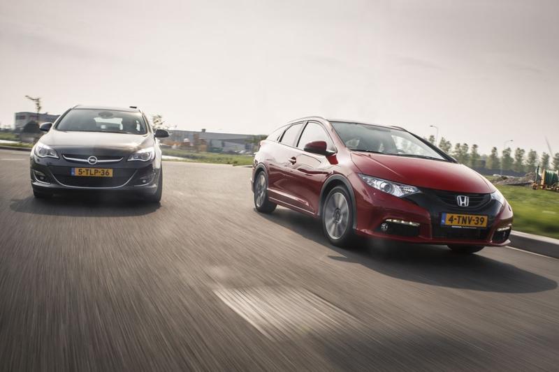 Dubbeltest - Honda Civic Tourer vs Opel Astra ST