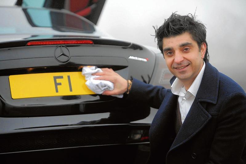 Kahn F1 kenteken