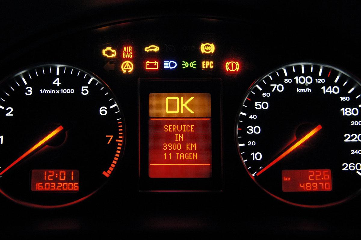 Automobilist Kent Waarschuwingslampjes Niet Autonieuws