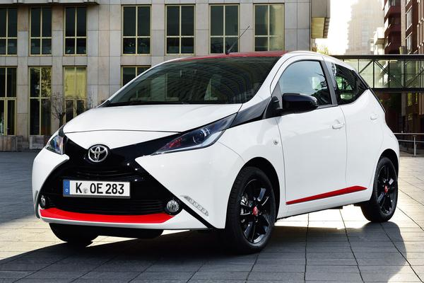 toyota aygo 1 0 vvt i x play 2014 gebruikerservaring autoreviews. Black Bedroom Furniture Sets. Home Design Ideas