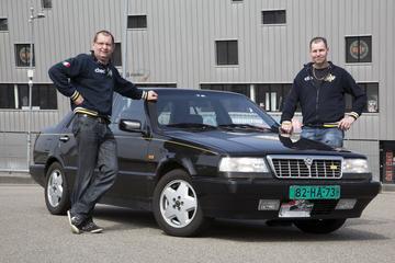 Op de rollenbank - Lancia Thema 8.32