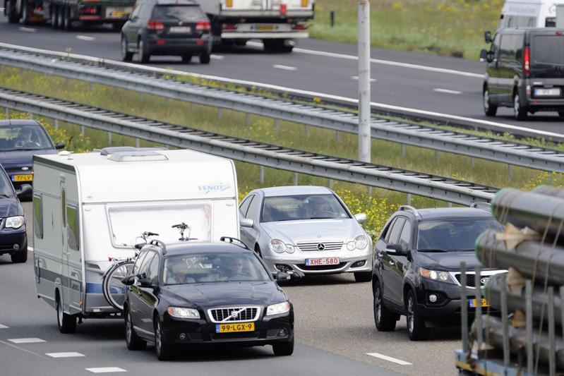 Topdrukte op Nederlandse en Europese wegen
