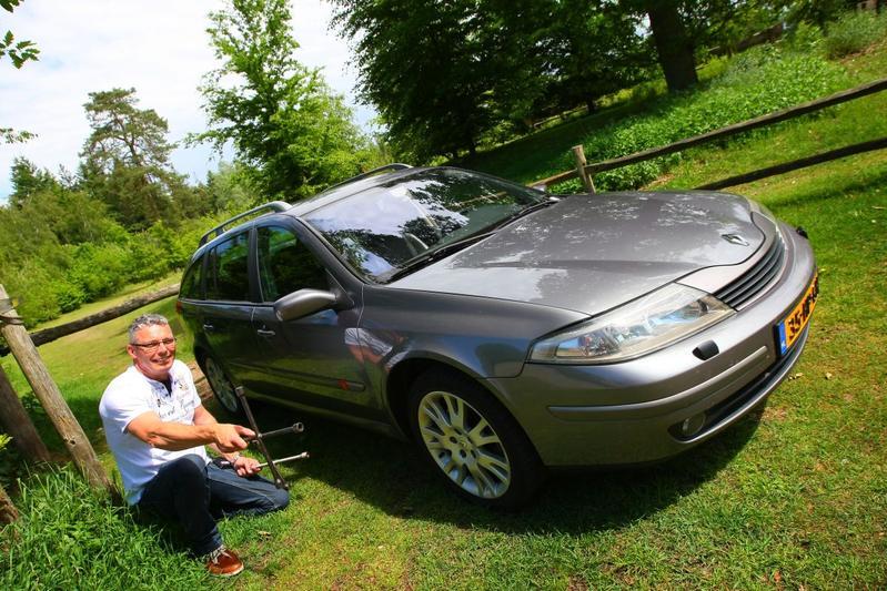 Klokje Rond - Renault Laguna