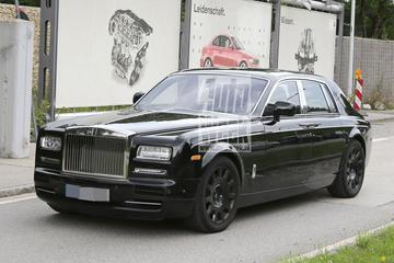 Nieuwe Rolls-Royce Phantom duikt op als mule