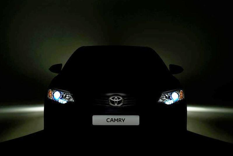 Gefacelifte Toyota Camry behoudend gestileerd
