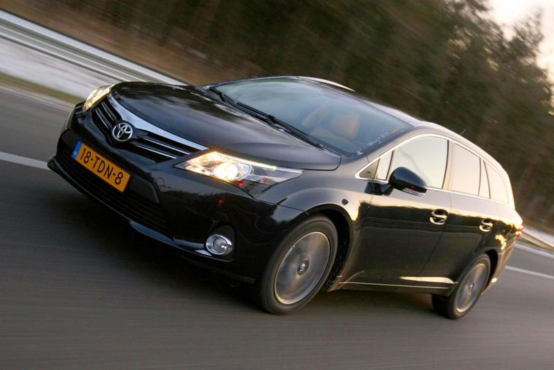 Toyota Avensis Wagon 2.0 D-4D-F Dynamic Business (2012)