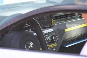 Volkswagen XL1 laat carbon binnenste zien