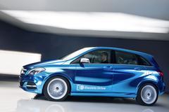 Mercedes B-Klasse onder stroom gezet