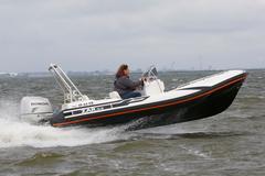 Reportage Honda Accord vs. Honda motorboot