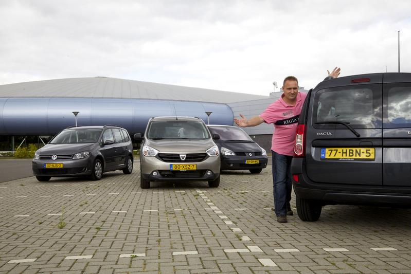 Volkswagen Touran 1.9 TDI - Dacia Lodgy dCi 90 - Renault Espace 3.0 dCi V6