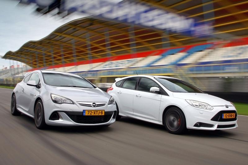 Snoeihard duel: Astra OPC vs Focus ST