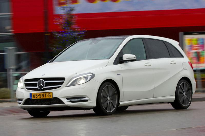 Mercedes-Benz B 200 BlueEFFICIENCY (2012)