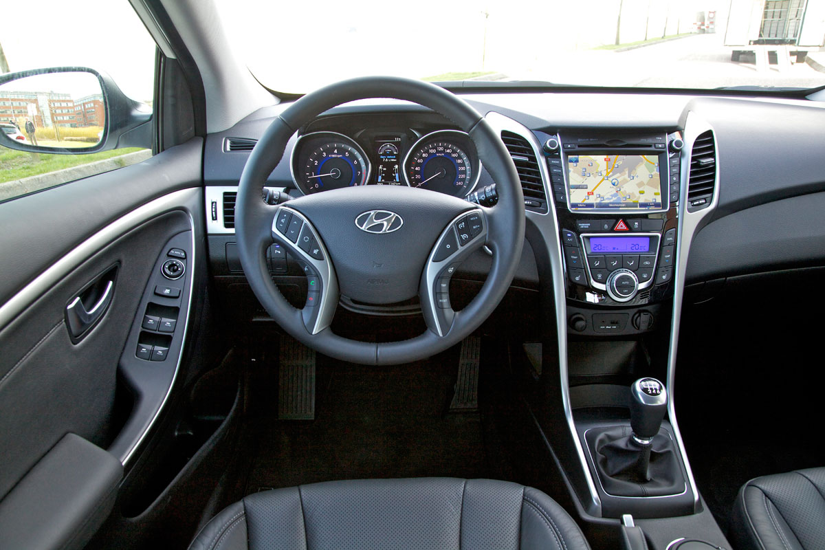 hyundai i30 1 6 gdi i catcher 2012 autotest. Black Bedroom Furniture Sets. Home Design Ideas