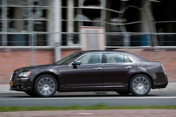 Lancia maakt Thema dik acht mille goedkoper