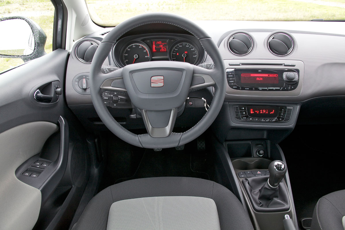 seat ibiza 1 2 tsi ecomotive style 2012 autotest. Black Bedroom Furniture Sets. Home Design Ideas