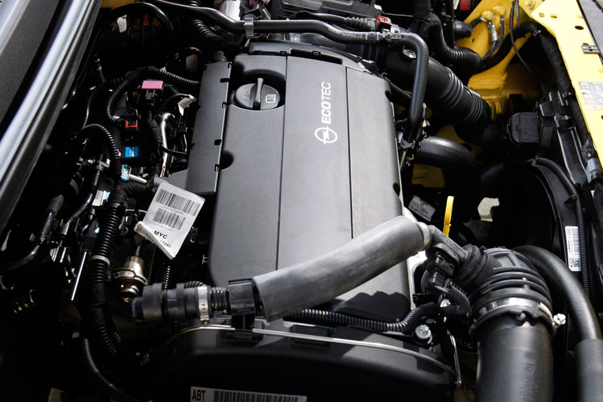 opel astra gtc 1 6 turbo sport 2012 autotest. Black Bedroom Furniture Sets. Home Design Ideas