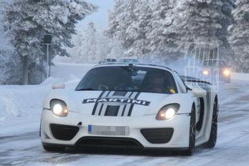 Porsche 918 bewijst zich in Lapland