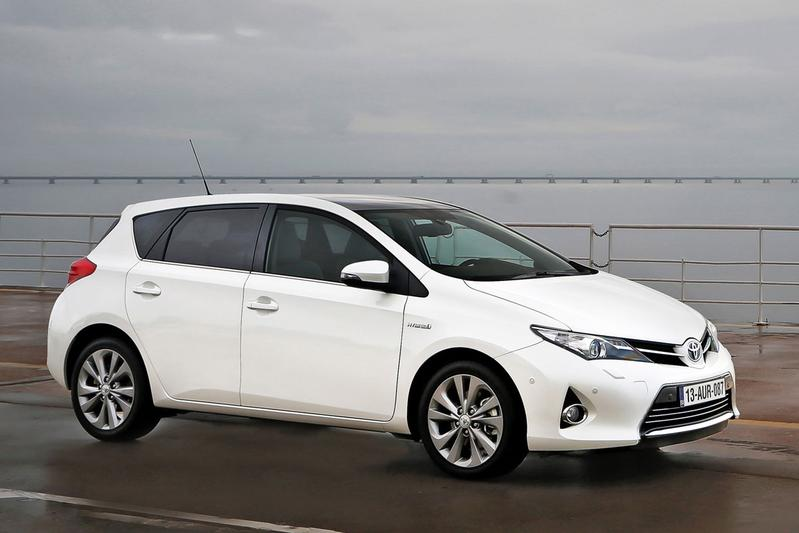 Toyota Auris 1.8 Hybrid Executive (2015)