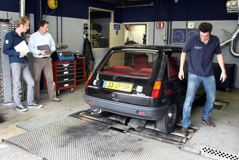 Op de rollenbank - Renault 5 Alpine Turbo