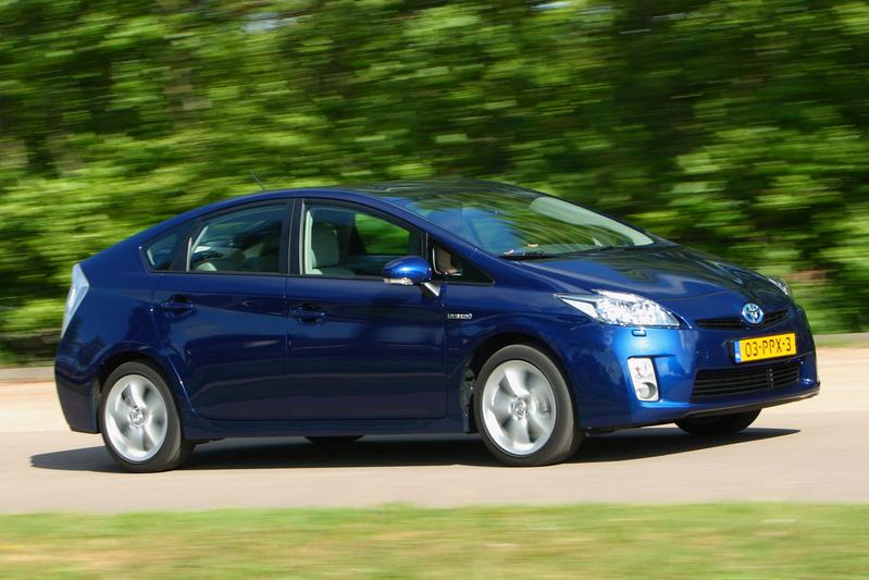 Toyota Prius 1.8 HSD Executive Business (2011)