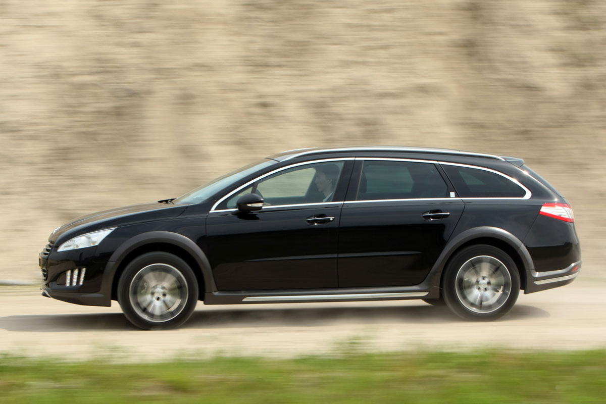 peugeot 508 sw rxh 2 0 hdi hy4 2012 autotest. Black Bedroom Furniture Sets. Home Design Ideas