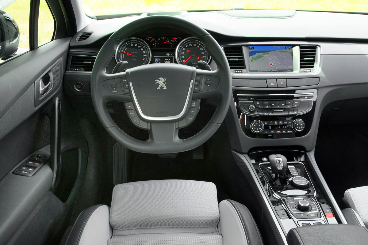 Peugeot 508 sw rxh 2 0 hdi hy4 2012 autotest for Interieur 508
