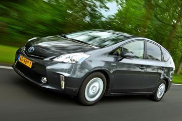Toyota Prius Wagon 1.8 HSD Aspiration (2012)