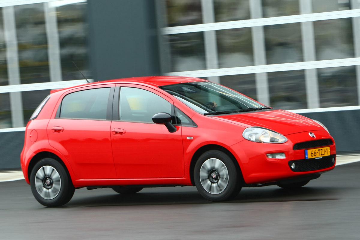 Fiat Punto 0.9 TwinAir Easy (2012) | Autotest - AutoWeek.nl on fiat lounge, fiat pop, fiat trekking review, fiat ads,