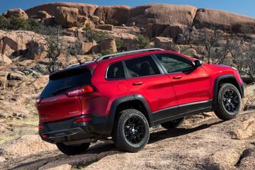 Jeep Cherokee laat zich vanuit alle hoeken zien