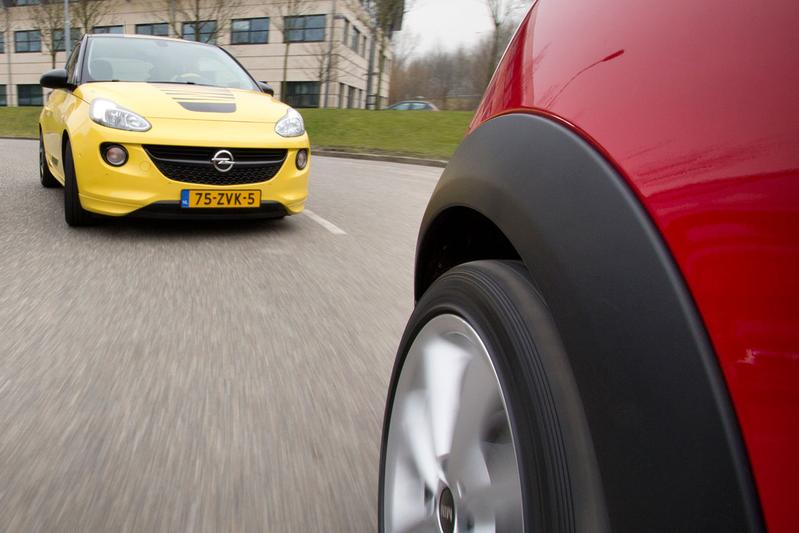 Dubbeltest - Opel Adam vs. Mini One