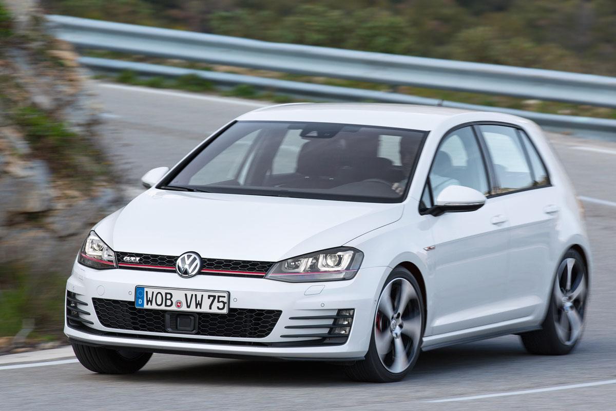 vw golf 40 jaar actie Volkswagen trakteert met Edition 40 Golf   Autonieuws   AutoWeek.nl vw golf 40 jaar actie